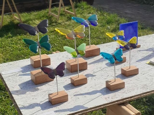 Vlinders (glas, aluminium, hout)
